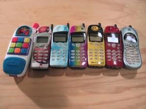 een stel oude telefoons